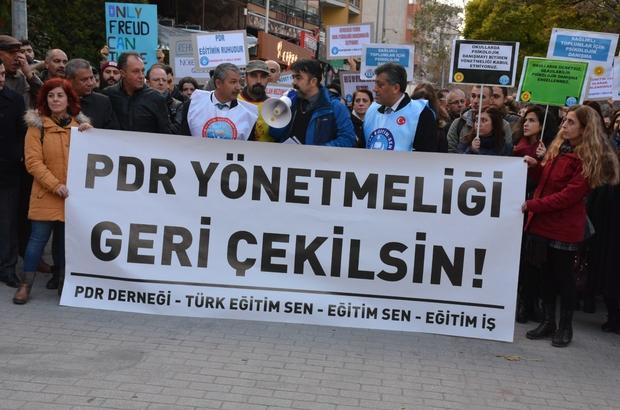 Değişen Rehberlik Hizmetleri Yönetmeliği'ne protesto
