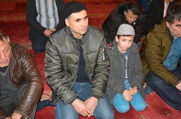 Eskişehir'de camiler doldu taştı