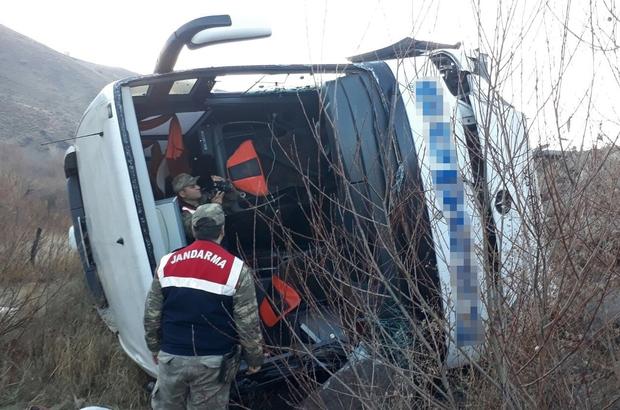 Erzincan'da şarampole devrilen otobüste 1 kişi öldü, 25 kişi yaralandı