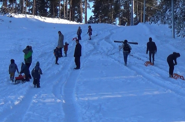Sarıkamış Kayak Merkezi'nde kızak keyfi
