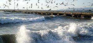 Marmara Denizi'nde lodos etkisi sürüyor