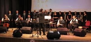 Elazığ'da eğitimcilerden konser