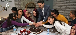 Başkan Eroğlu'dan engelli öğrencilere sürpriz ziyaret