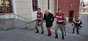 Dolandırıcılık suçundan aranan iki kişi jandarmaya yakalandı
