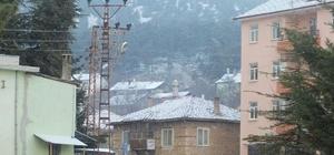 Isparta'ya mevsimin ilk karı yağdı