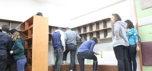 SAÜ'lü öğrenciler köy okullarına yardım ellerini uzattı