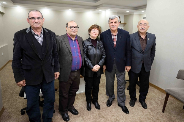 Başkan Karaosmanoğlu, muhtar ve konut ada başkanlarıyla görüştü