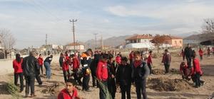 Başkan Karayol, öğrencilerle birlikte ağaç dikti