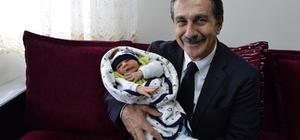 Başkan Ataç bebek ziyaretlerini sürdürüyor