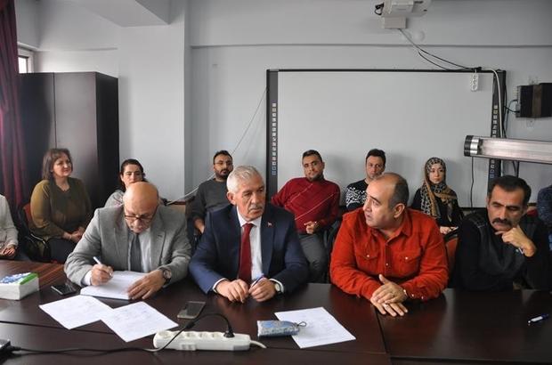 İl Milli Eğitim Müdürü Osman Elmalı Kitap Yazım Komisyonları ile toplantı yaptı