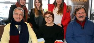 Aşkı Memduh tiyatro oyuncuları Nissara AVM'de söyleşiye katıldı