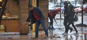 Bandırma'da yağmur ve lodos etkili oldu