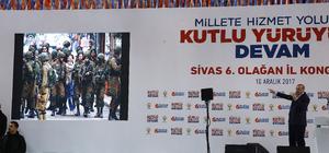 Cumhurbaşkanı Erdoğan, AA'nın simge fotoğrafını gösterdi