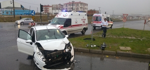 Tekirdağ'da iki otomobil çarpıştı: 9 yaralı