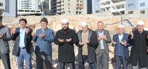 Mardin'de cami temeli dualarla atıldı