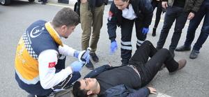 Manisa'da otomobilin çarptığı üniversite öğrencisi yaralandı