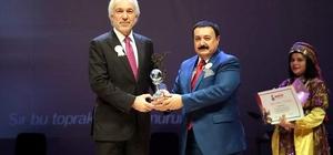Kütahya Belediyesi'ne 'Türk Folkloruna Katkı Sağlayan Kuruluş' ödülü