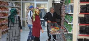 Şehzadeler'de İYİBANK ihtiyaç sahiplerini sevindiriyor