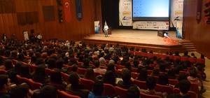 Kişisel Gelişim Zirvesi'17 AKM'de öğrencilerle buluştu