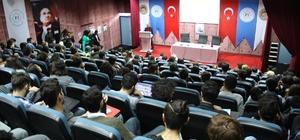 """Üniversite öğrencilerine """"hayvan hakları"""" konferansı"""