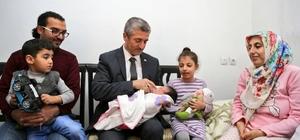 Tahmazoğlu 80 bin´inci bebeği ziyaret etti