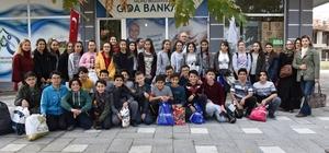 Ortaokul öğrencilerinden sosyal markete destek