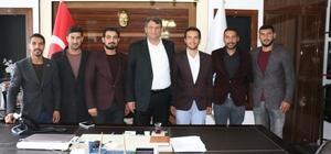 AK Partili gençlerden Belediye Başkanı Başkan Ayhan'a destek