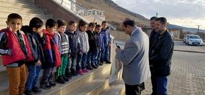 TARSİM'den Bağbaşı İlkokuluna kırtasiye yardımı