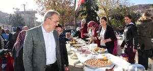 Başkan Karaçoban Kur'an Kursu inşaatı için düzenlenen kermese katıldı