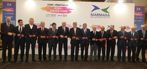 Başkan Karaosmanoğlu, Yerel Yönetimler Kitap ve Kültür Fuarı'na katıldı