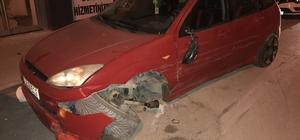 Hafif ticari araç, park halindeki 6 otomobile çarptı