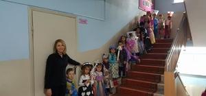 Başkan Yalçın, minik öğrencilerin etkinliğine katıldı