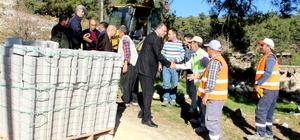 """Başkan Turgut: """"Yol girmemiş, hizmet almamış bir tek mahalle bırakmıyoruz"""""""