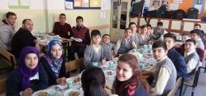 Aslanapa Ortaokulu 'Yerli Malı Haftası'nı kutladı