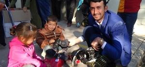 Siverek'te 100 engelli çocuğa bot dağıtımı