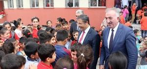 Akdeniz Belediyesi'nden eğitime destek