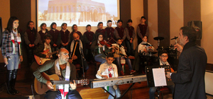 Mülteci Çocuklar Korosu şarkılarını Filistin için söyledi