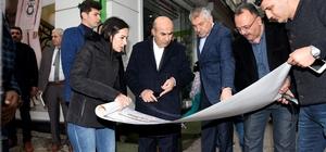Vali Mahmut Demirtaş, kent meydanını inceledi