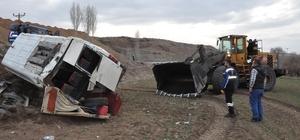 Yozgat'ta öğrenci servis minibüsü devrildi: 13 yaralı