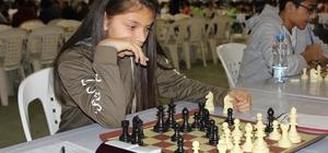 Genç satranççıların ikinci etap heyecanı