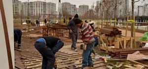 Kent Meydanı'nda çalışmalar tamamlanıyor
