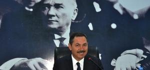 Başkan Uysal tiyatroya davet ediyor