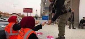 Kilisli kadınlardan sınırındaki özel harekata çorba ikramı