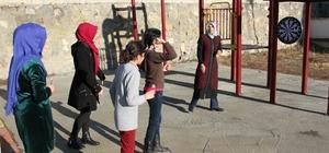 Ahıska Türkü çocuklar Mobil Gençlik Merkezi ile doyasıya eğlendi