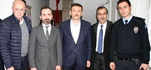 AK Parti Genel Başkan Yardımcısı Dağ, İzmir'de polisler ve taksicilerle bir araya geldi