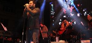 Biga'da indirimli alışveriş günleri Yusuf Güney konseri ile tamamlandı
