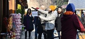 İnegöl Belediye Başkanı 'Bordo Bereliler Afrin' filminin setini ziyaret etti