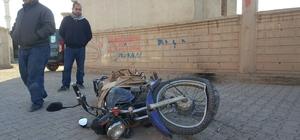 Ticari aracın çarptığı motosikletli yaralandı