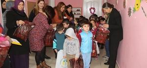 Başkan Akat çocuklarla yeni yılı kutladı