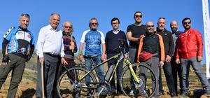 Bisikletçilerden doğaya 765 fidan